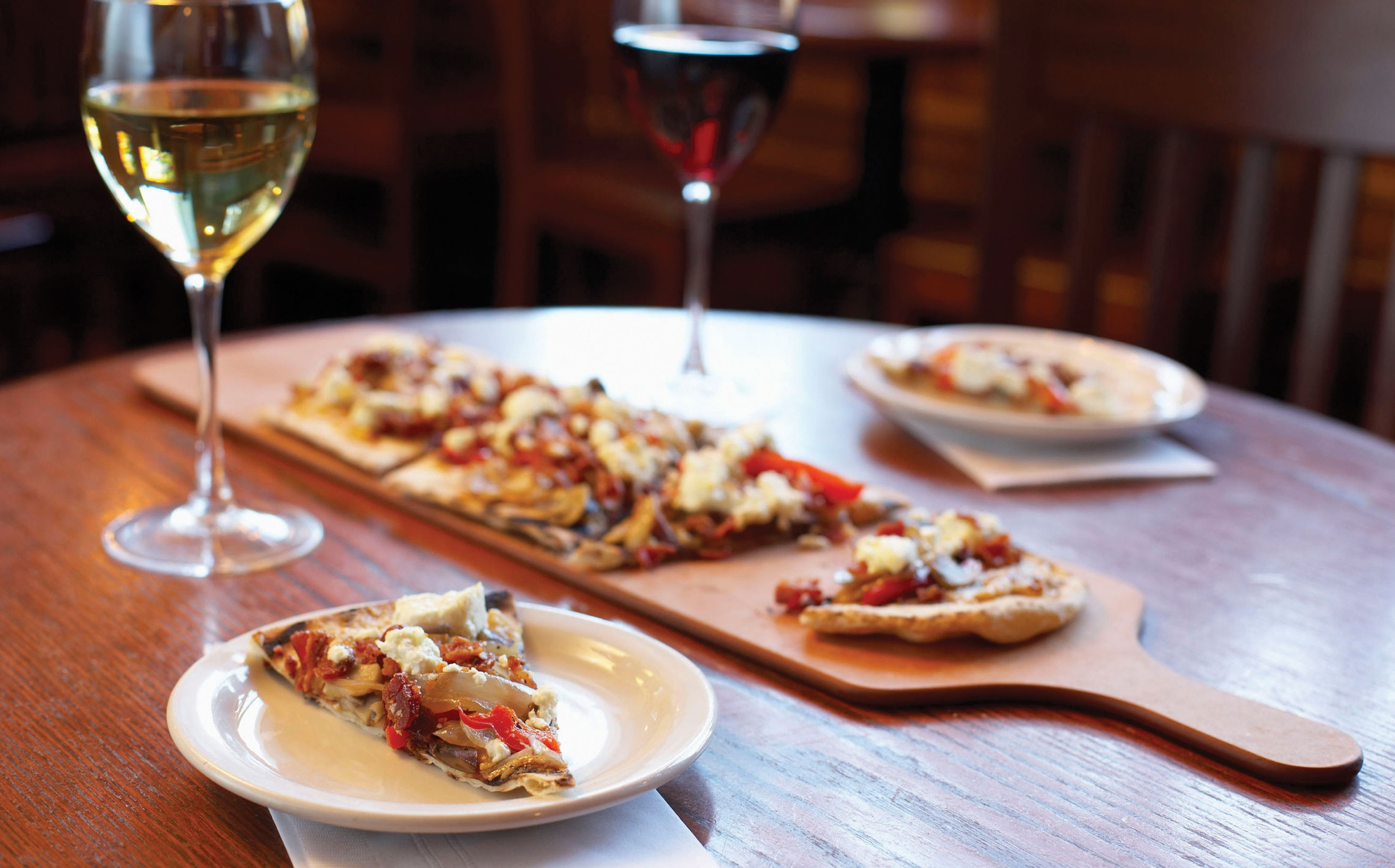 Wine and pizza what s not to love the bubbly professor for Cuisine wine
